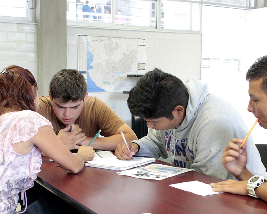 Fundamental la función del orientador educativo en las preparatorias para auxiliar en problemáticas juveniles
